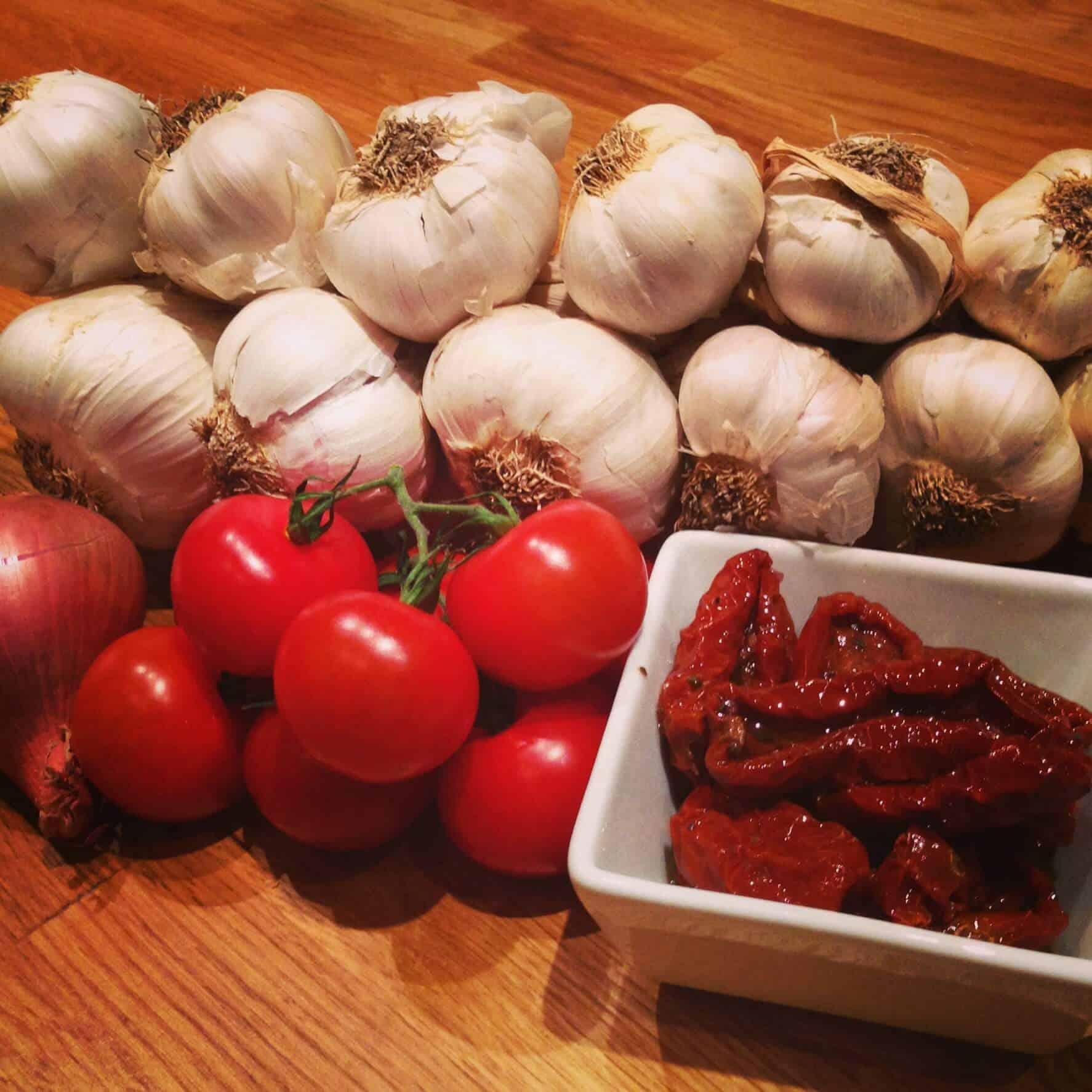 Ingrédients - Pates aux tomates séchées et proscuitto