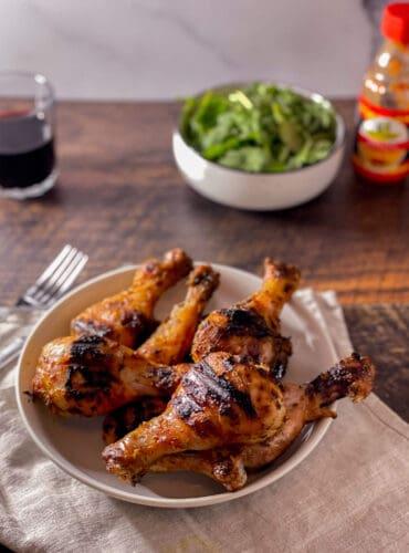 Poulet portugais, salade et sauce piri-piri