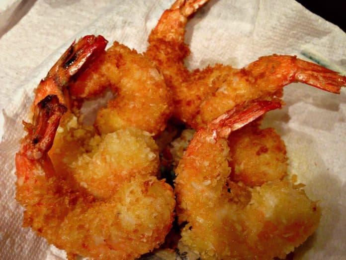 Crevettes panées à la noix de coco