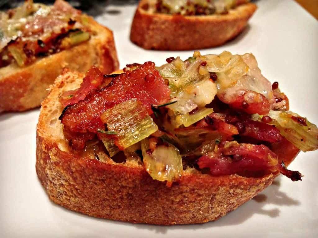 Recette de bouchées de poireaux et bacon gratinées