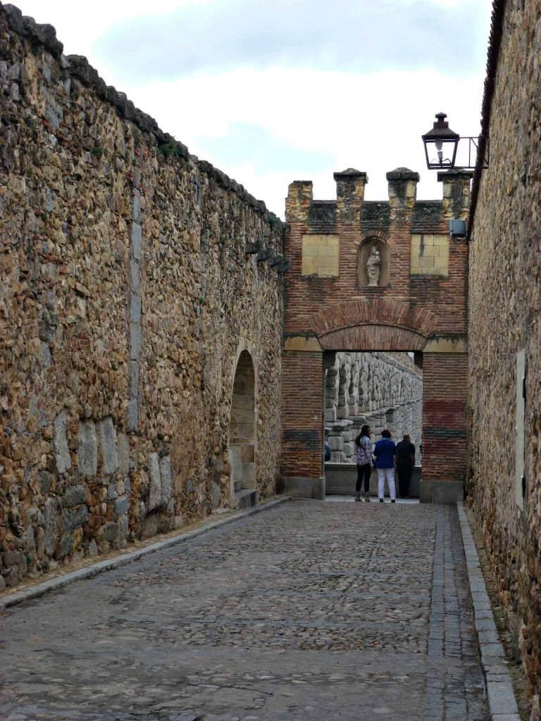 Murs de la cité à Ségovie