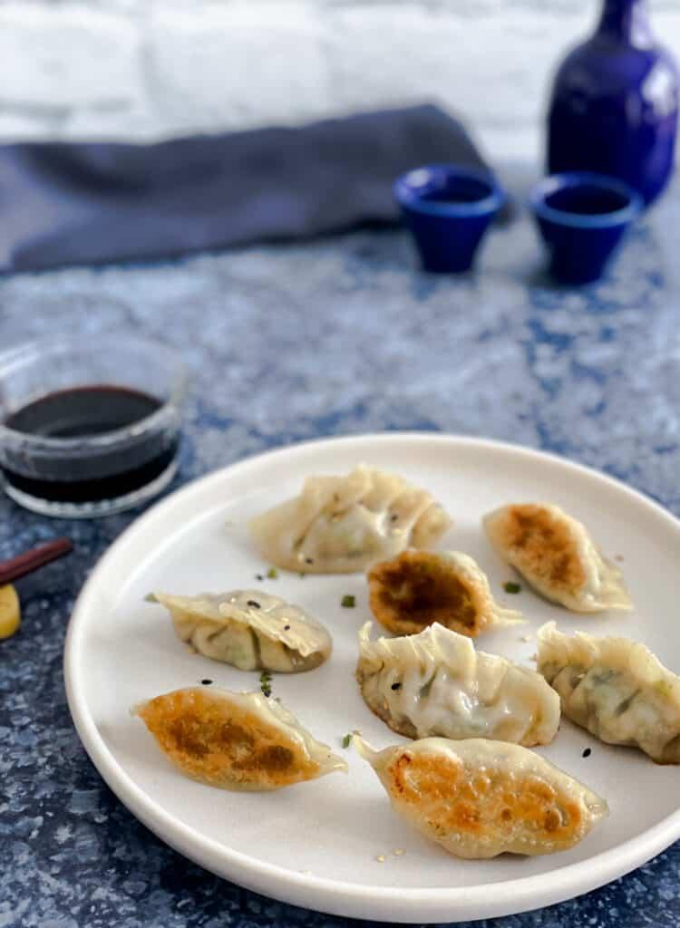 Dumplings cuits à la poêle, un peu comme des gyoza