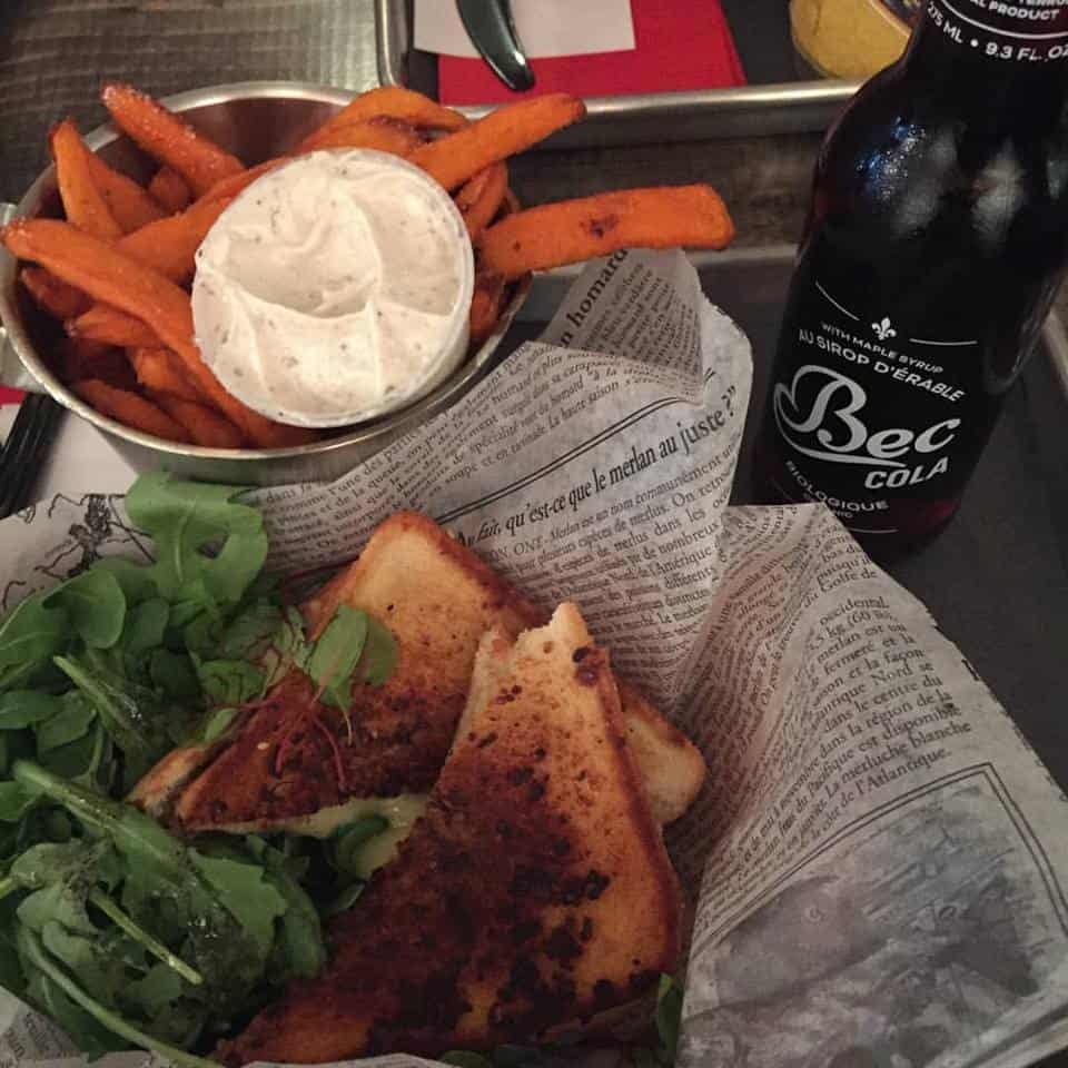 Grilled Cheese - Chez Jerry et frites de patates douces