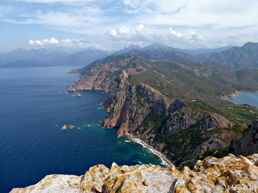 La vue au sommet du sentier du Capo Rosso