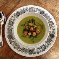 Potage aux brocolis et aux poireaux