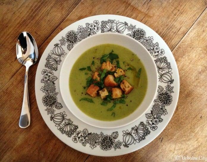 Potage de brocolis et poireaux