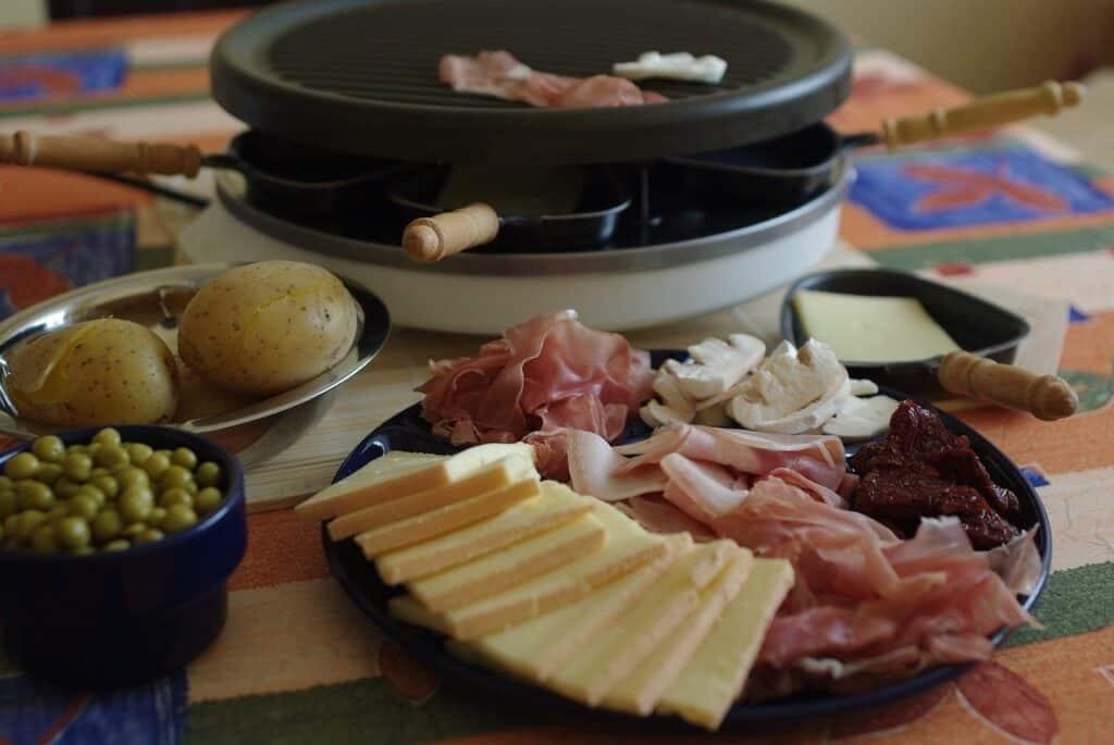Repas de raclette