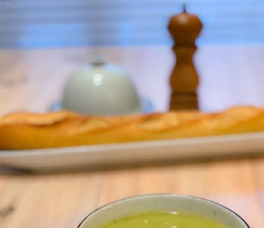 Potage aux poireaux et brocoli