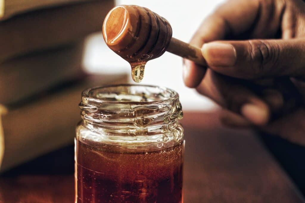 Miel en dégustation