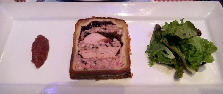 Le pâté en croûte au foie gras de canard et ris de veau