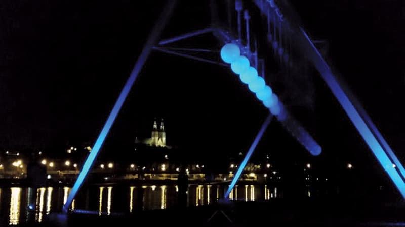 Pendulum - IlluminArt - Montréal en Lumière