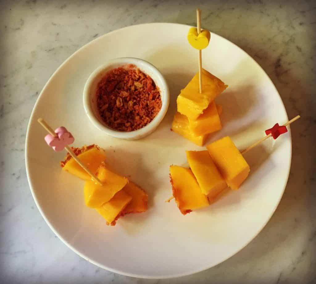 Mangues épicées avec takis fuego