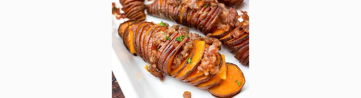 Patates douces en accordéons avec saucisse italienne