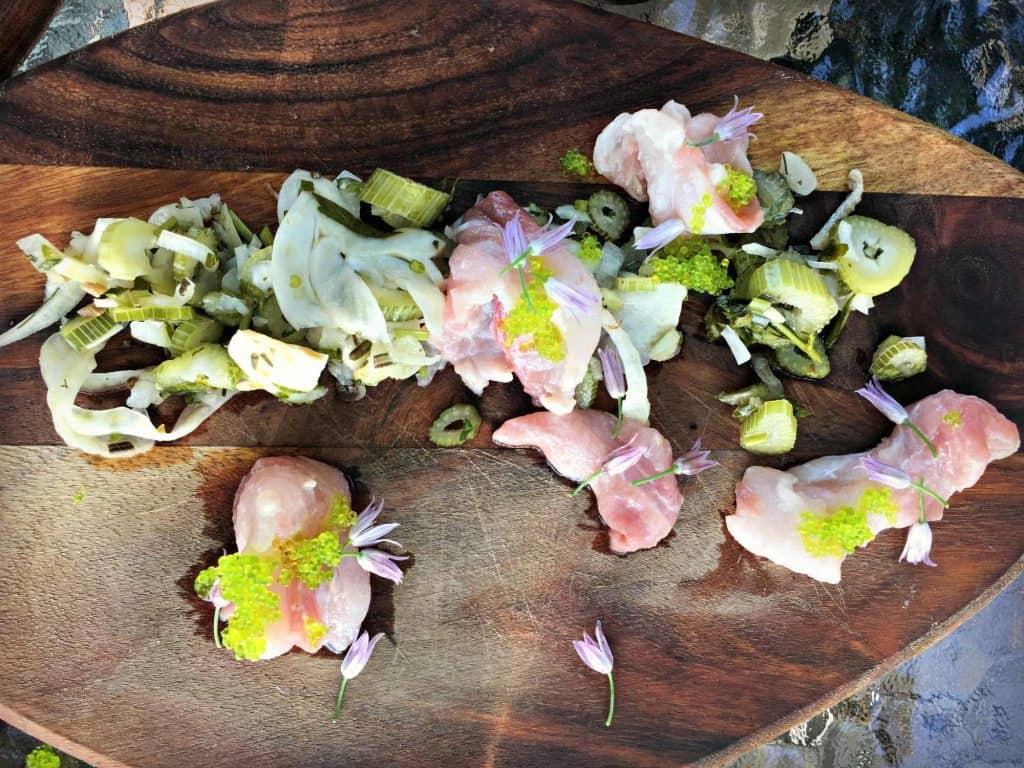 Vivaneau top bien assiasonne et caviar de wasabi