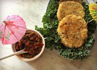 Croquettes de saumon et salsa aigre-douce à l'ananas et au thé vert