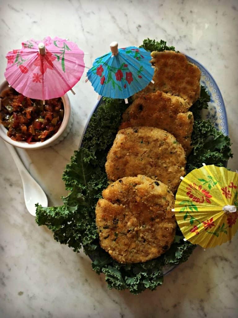 Croquette de saumon et salsa aigre-douce à l'ananas et au thé vert
