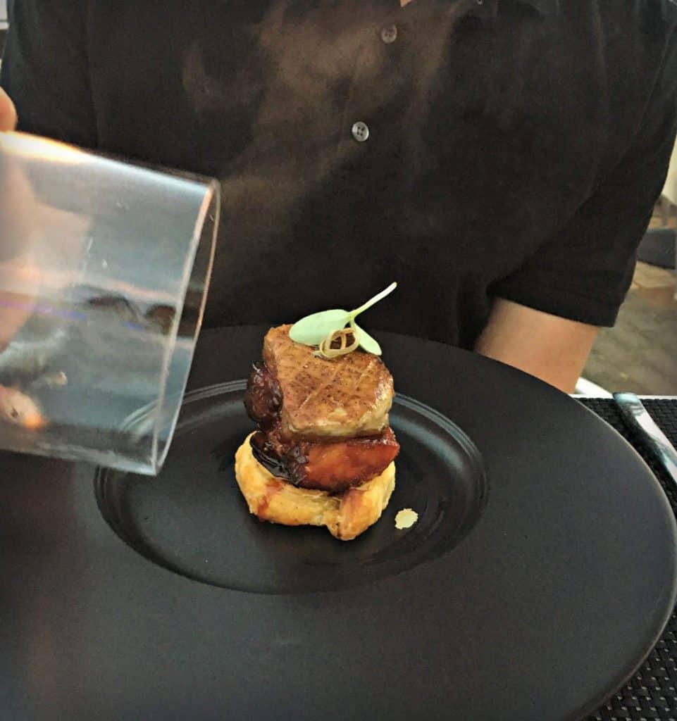 Foie gras, tarte tatin, lard, fumée de pommier - restaurant Poivre Noir - Trois-Rivières