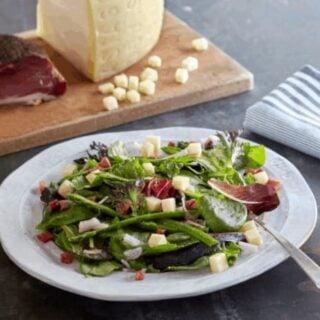 Recette de salade d'asperge, speck et asiago