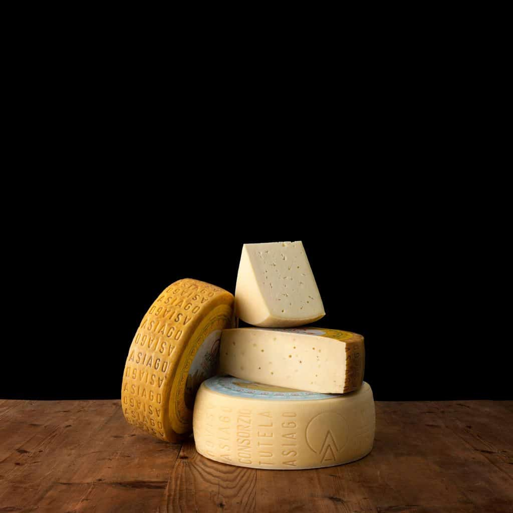 Meules de fromages Asagio