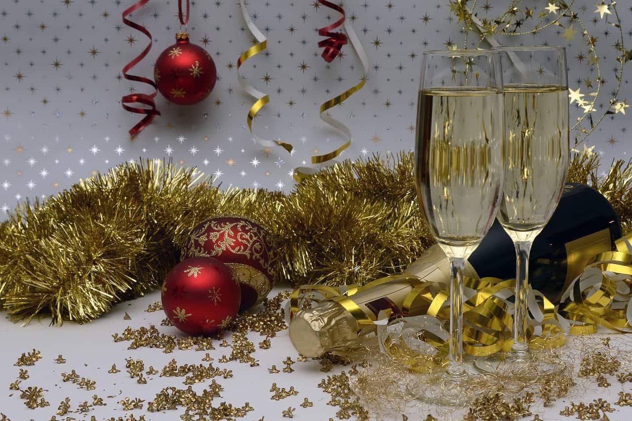 10 suggestion de bulles, de vins et de bières pour accompagner les repas des Fêtes