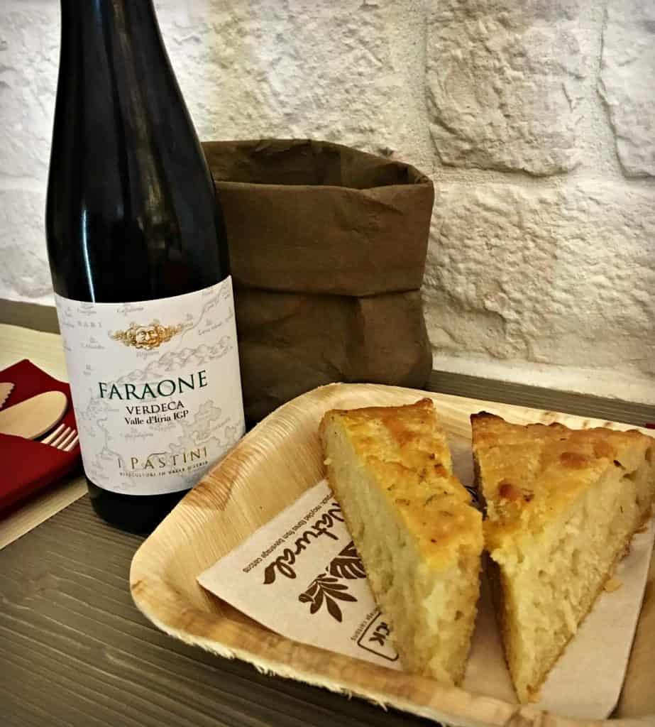 Focaccia bianca - Gastronomie des Pouilles - 5 plats et spécialités à découvrir