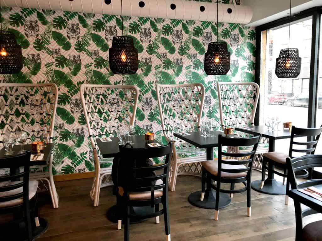 Intérieur du restaurant indien Tandoori Mahal à Montréal
