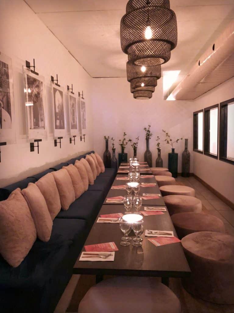 Pièce privée pour événement et groupes que l'on peut réserver au restaurant indien Tandoori Mahal à Montréal