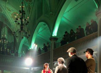 Colombe St-Pierre qui reçoit son prix de Cheffe de l'année - Gala des Lauriers de la gastronomie 2018