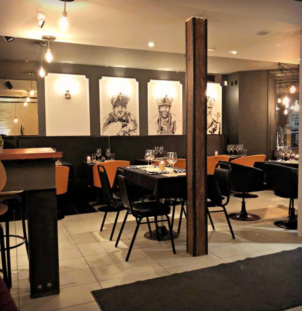 L'intérieur du restaurant La Demande Générale, à Montréal