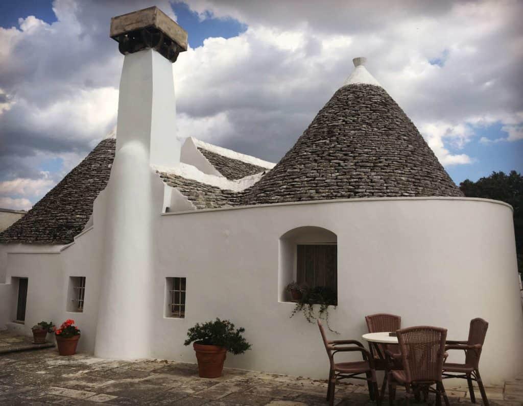 Séjourner dans un trullo à Locorotondo - Agriturismo Masseria Aprile - les Pouilles - Italie | Guide de voyage : 5 jours dans les Pouilles, quoi voir et quoi faire