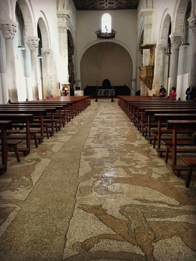 Le plancher en mosaïques de la cathédrale à Otranto - les Pouilles - Italie | Guide de voyage : 5 jours dans les Pouilles, quoi voir et quoi faire