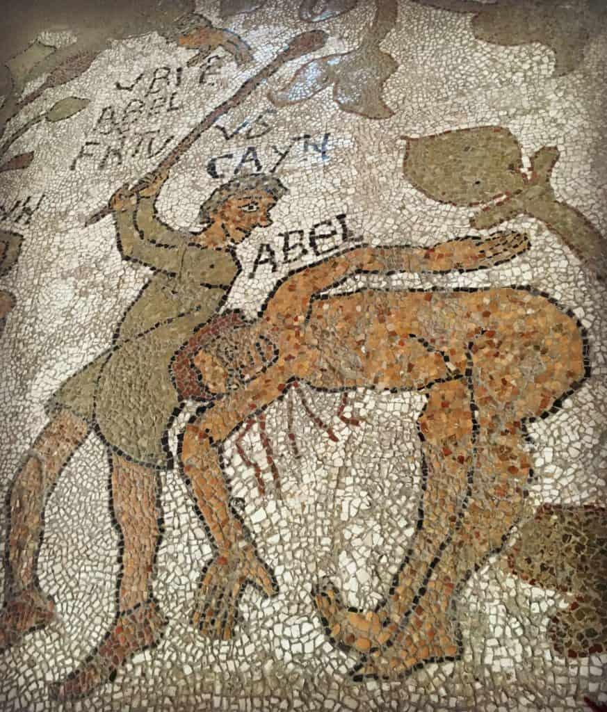 Scène de la mosaïque de la cathédrale à Otranto - les Pouilles - Italie | Guide de voyage : 5 jours dans les Pouilles, quoi voir et quoi faire