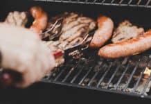 3 nouveautés en épicerie pour vos prochains barbecues avec les saucisses de canard du Lac Brome, les sauces et épices de BBQ Québec et les vins . Smoky Bay Shiraz rosé et Sauvignon blanc