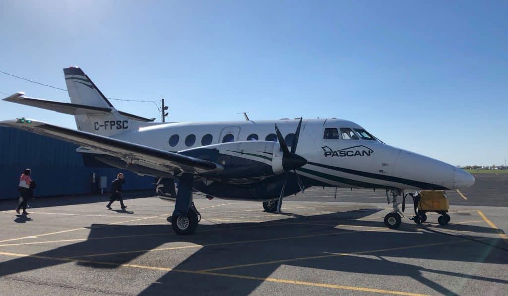 Avion de Pascan pour aller aux Iles