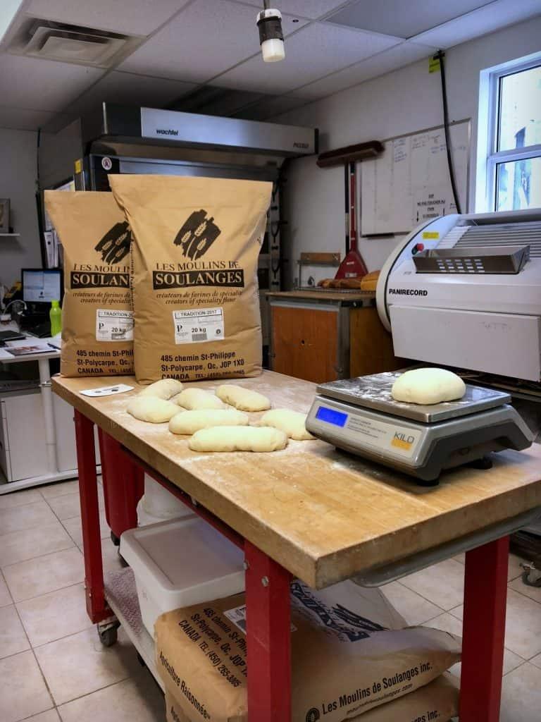 Labo et tests de pain aux Moulins des Soulanges