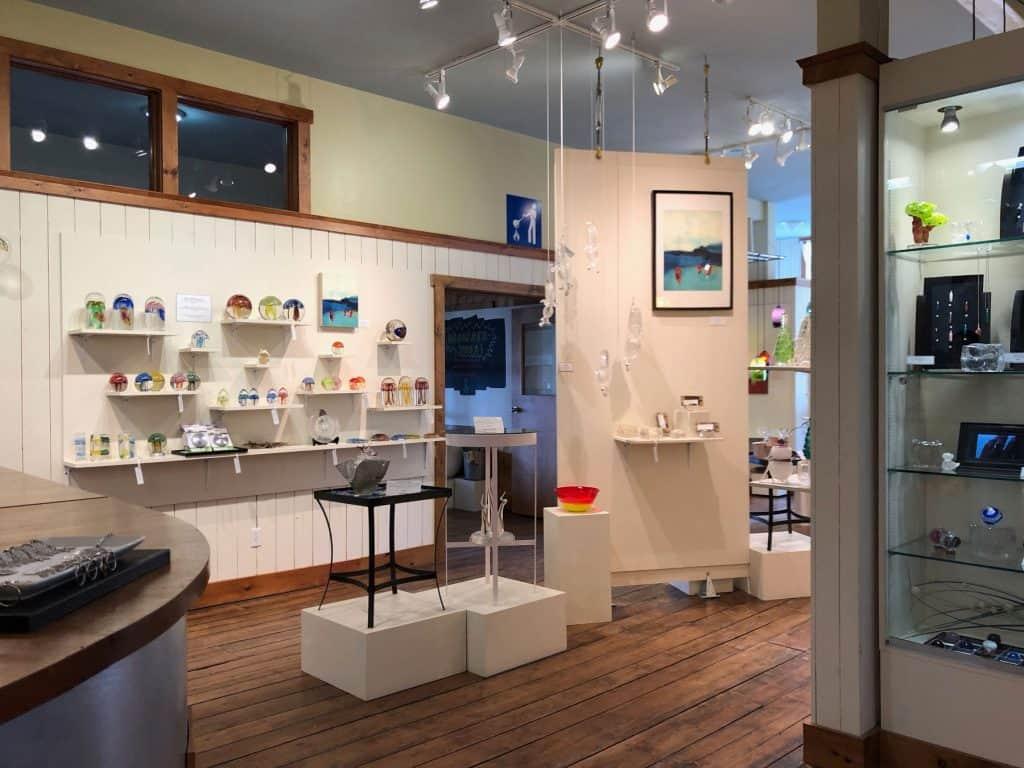 Intérieur de la boutique La Méduse - Iles de la Madeleine