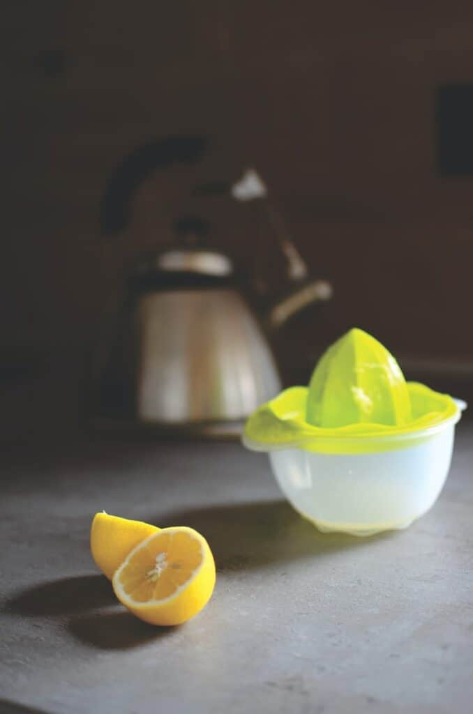 Citrons et bouilloire