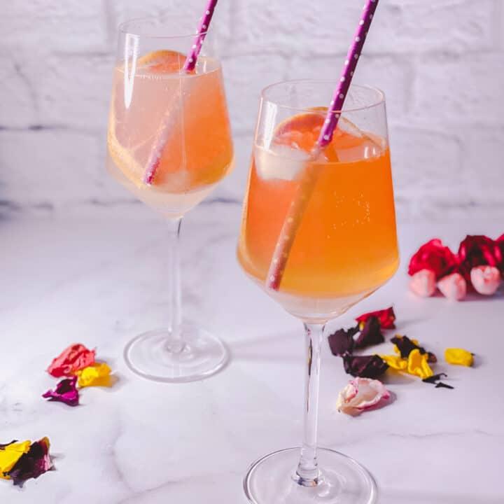 deux verres de Amaretto spritz