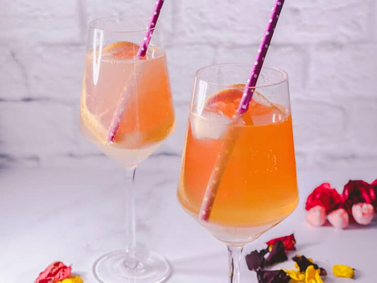 Amaretto and grapefruit Spritz
