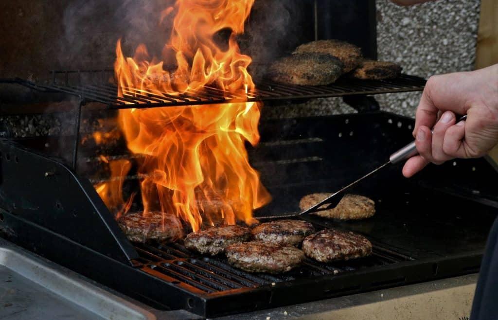 10 astuces pour cuisiner sur le BBQ comme un pro