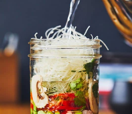 Recette de soupe-repas à l'asiatique en pot