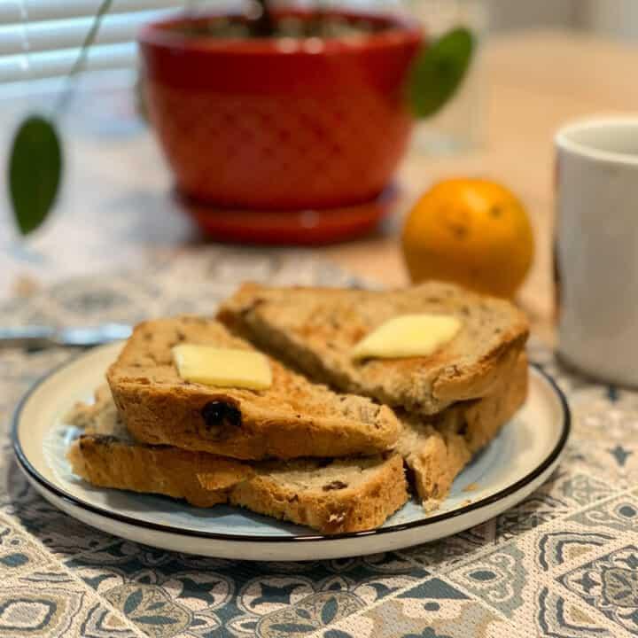 Recette de pain aux raisins et à la cannelle à la machine à pain