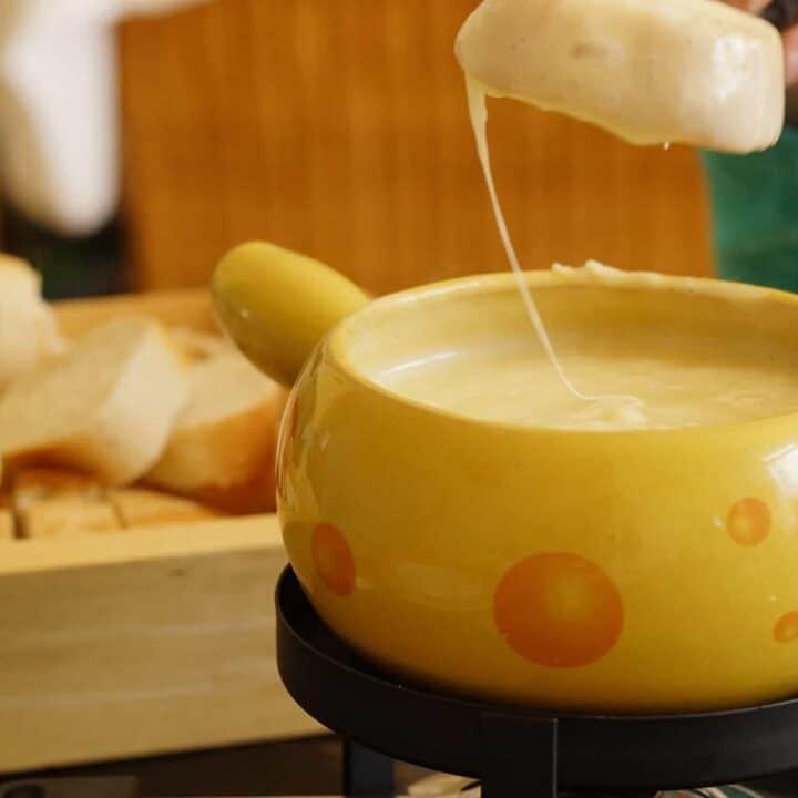 Fondue au fromage moitié-moitié et Fribourgeoise