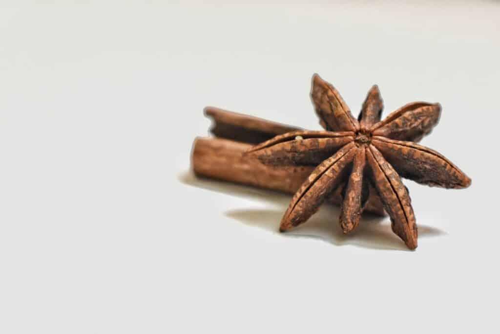 """Les épices du Whisky chaud irlandais """"hot toddy"""" à l'érable, la cannelle et l'anis étoilée"""