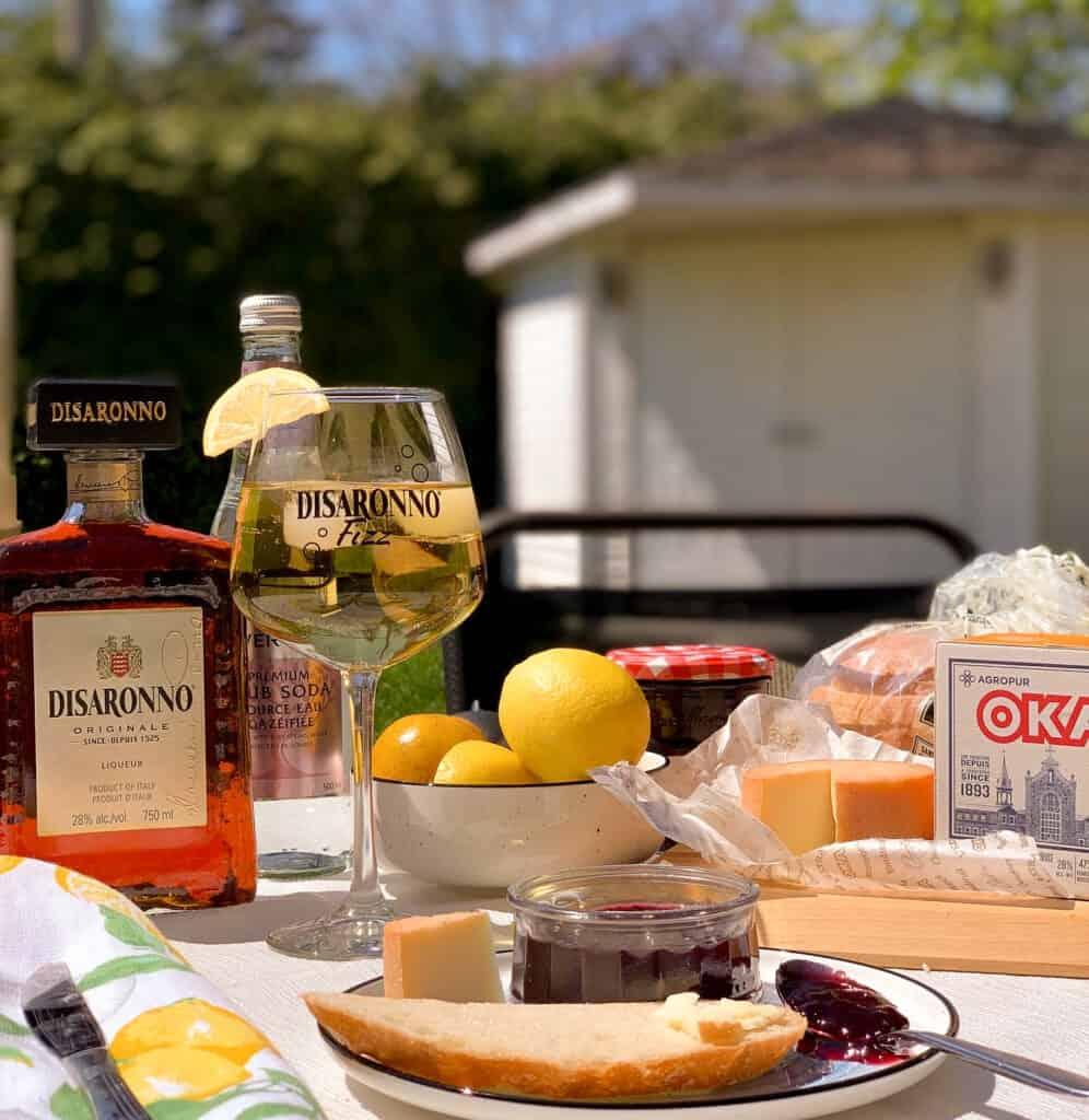 Recette de cocktail de Disaronno Fizz, une alternative au classique mimosa