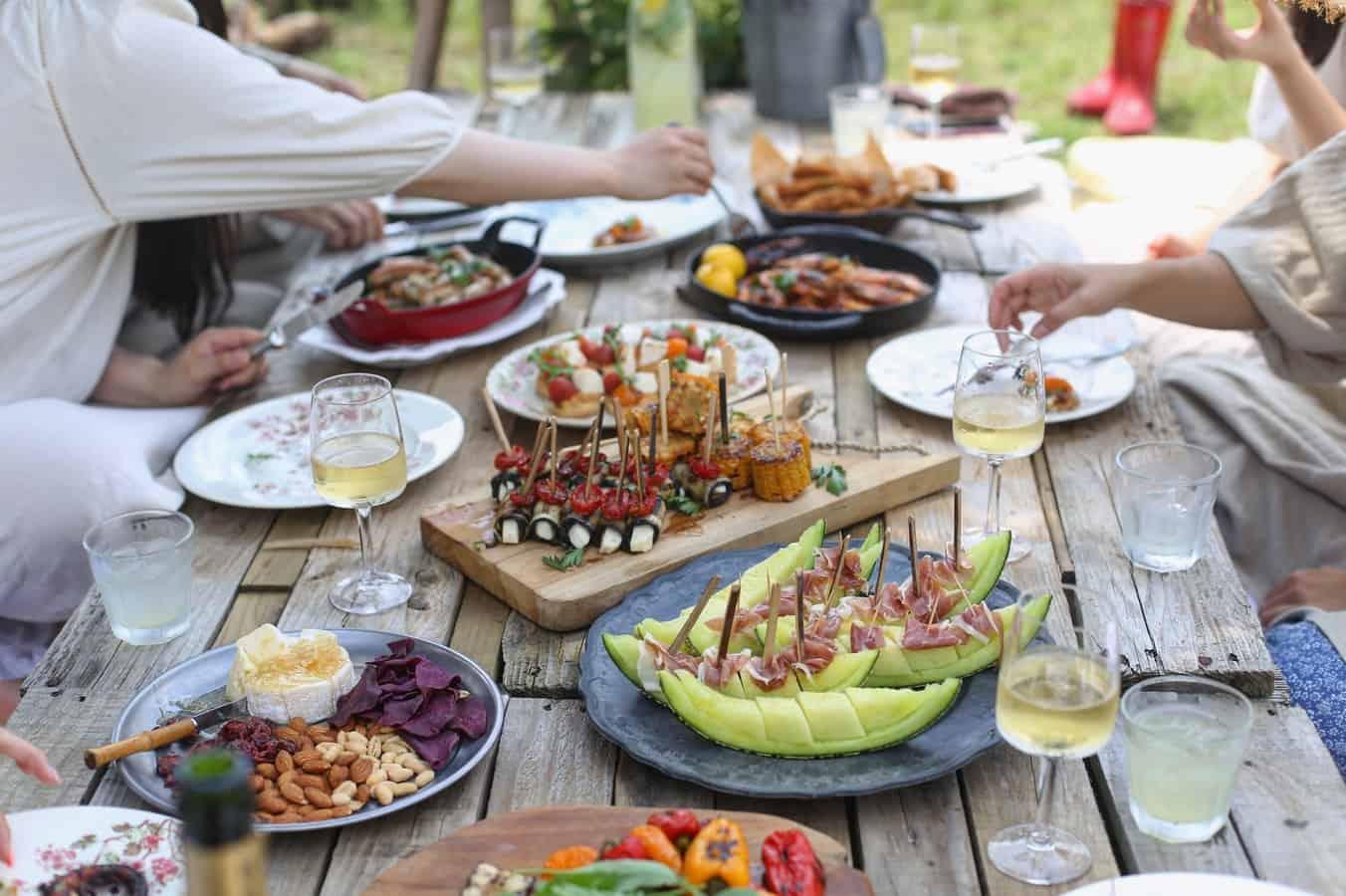 10 vins parfaits pour accompagner les repas d'été