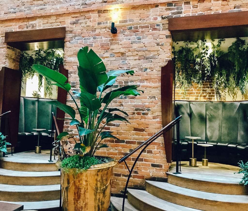 Intérieur du Nelli Café + Vin