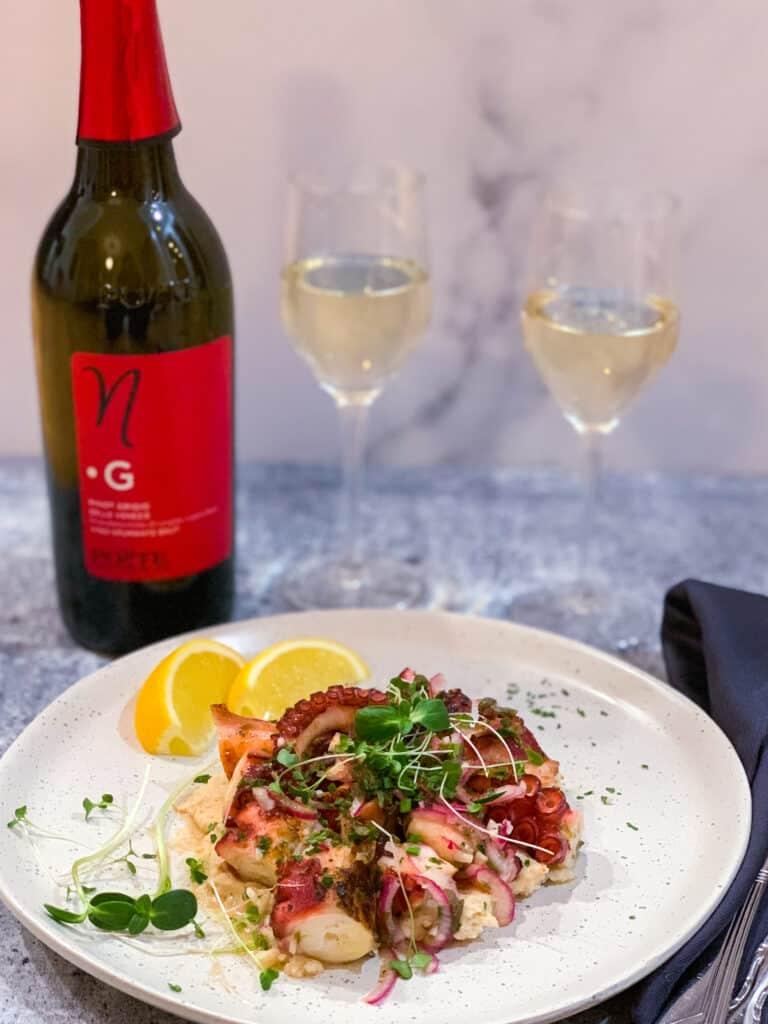 Salade de pieuvre grillée et son accord met-vin