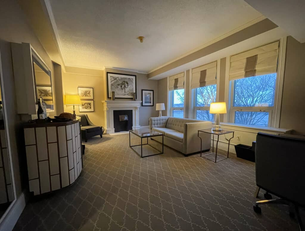 Une des confortables suites du Chateau Frontenac