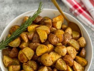 Pommes de terre rôties aux fines herbes